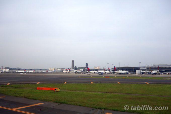 成田空港T2