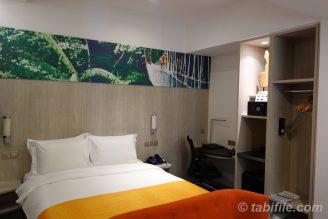 1bed room