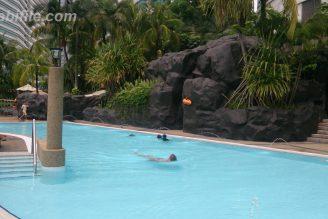 Hilton KL pool
