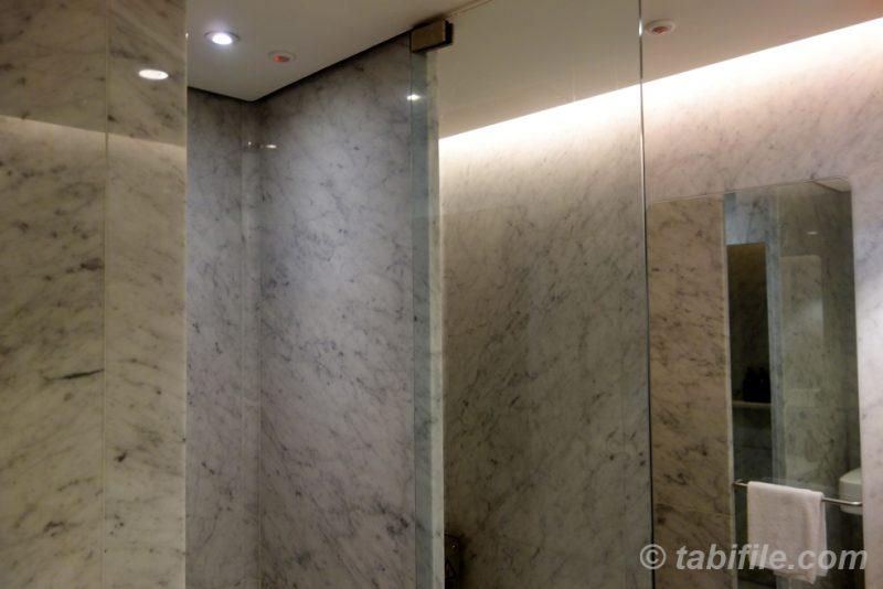 Bathroom qantas first lounge sydney